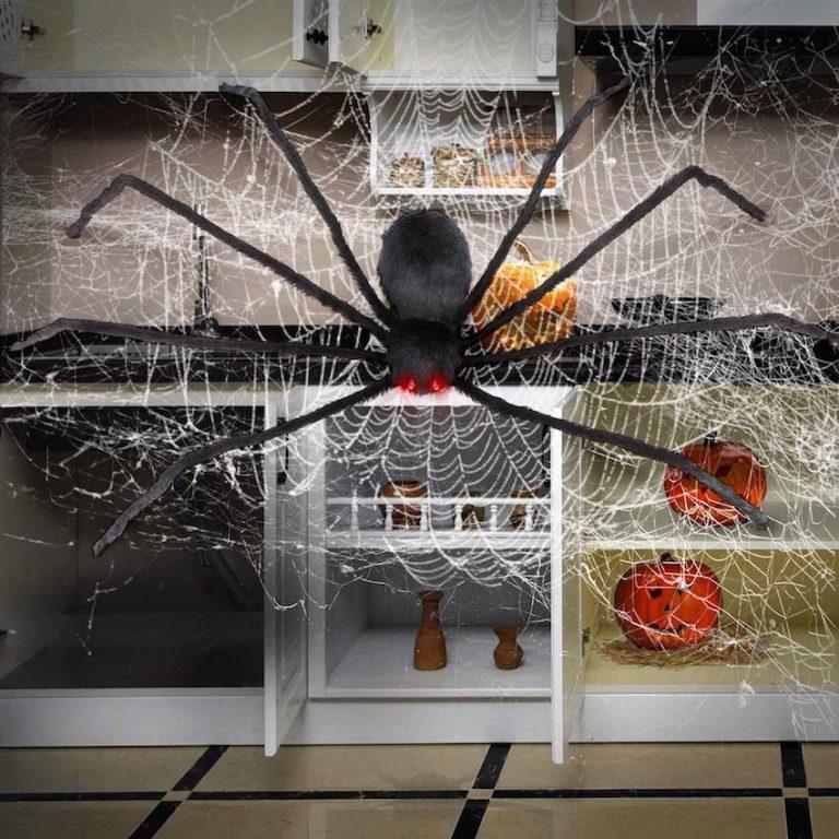 Black Hairy Hairy Halloween Spider LED Eyes