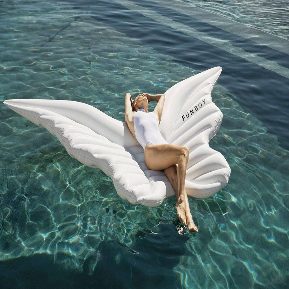 Lavishing giant pool float