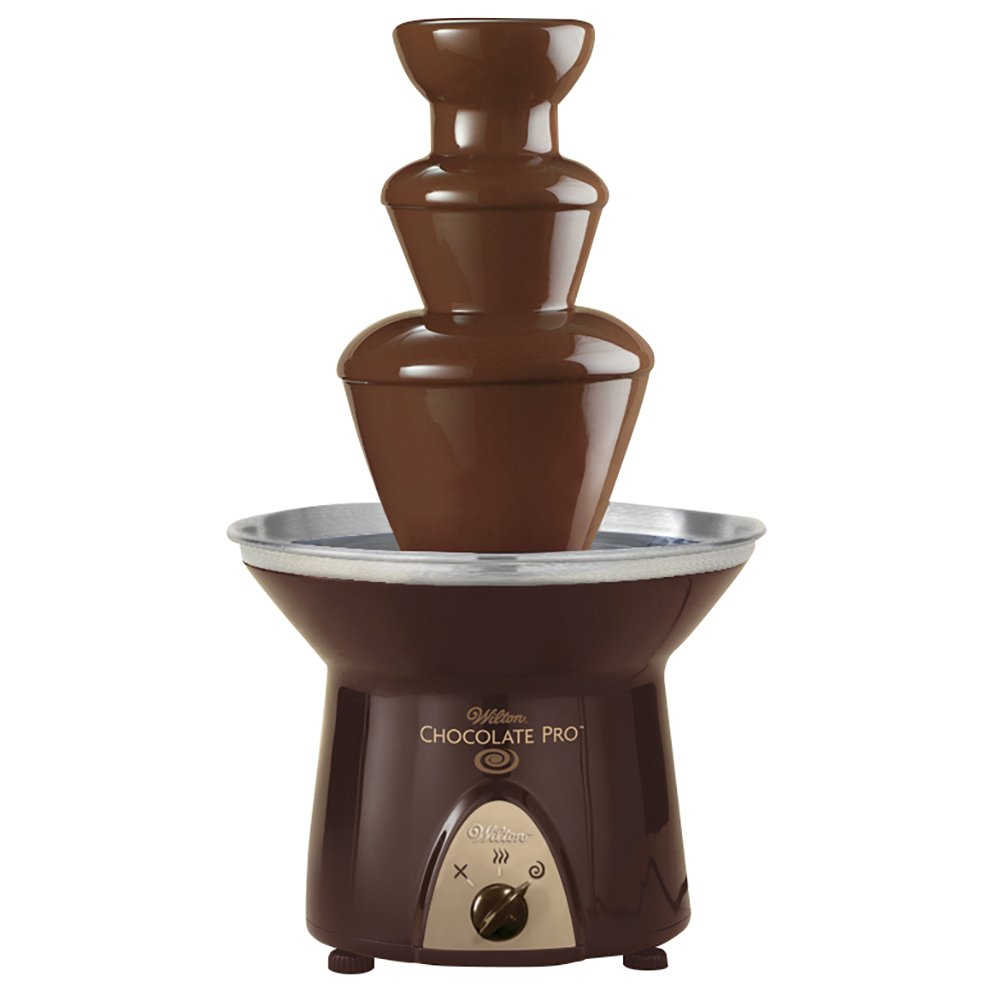 Give A Bath Of Molten Chocolate To Your Desserts With This Chocolate Fountain