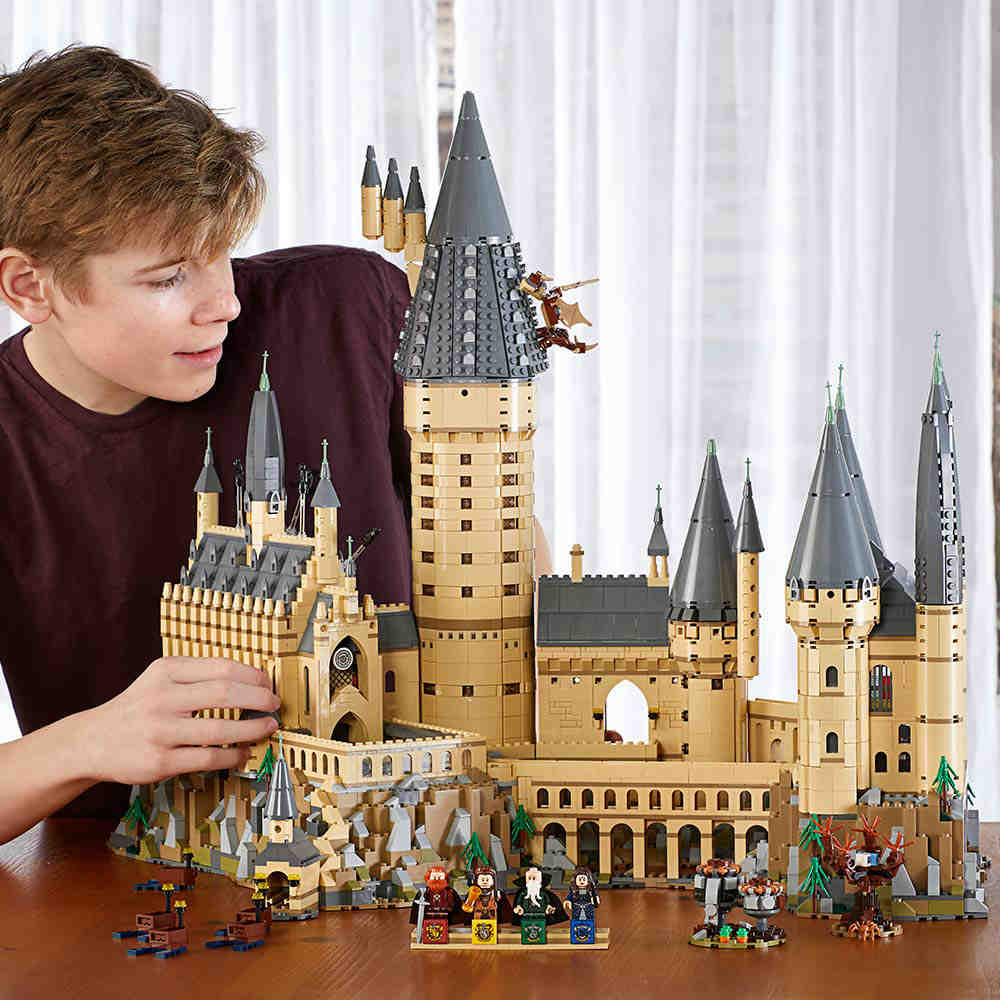 Hogwarts Castle Building Kit To Fulfill Your Harry Potter Dreams